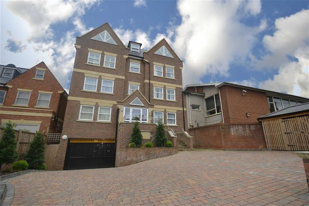 3 Bedrooms Flat for sale in Oakleigh Park South, Oakleigh Park, London