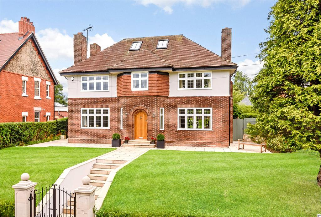 5 Bedrooms Detached House for sale in Dee Banks, Great Boughton, Chester, Cheshire