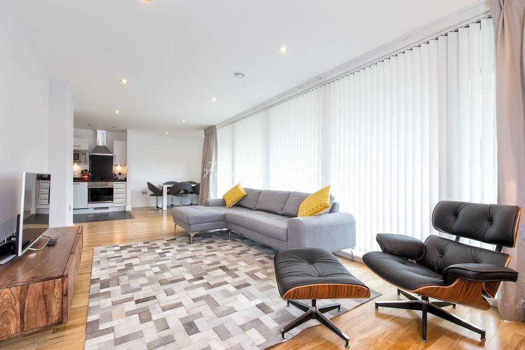 2 Bedrooms Flat for sale in Wharfside Point South, Canary Wharf, E14