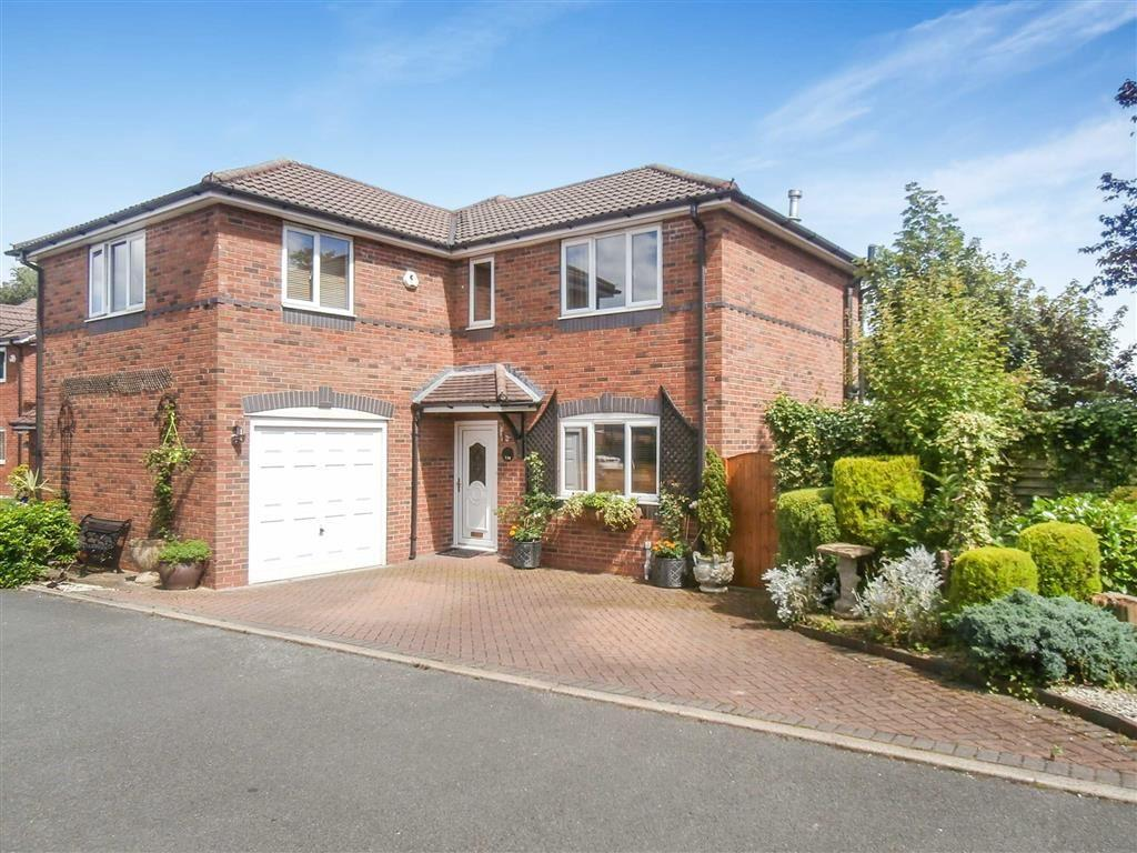 4 Bedrooms Detached House for sale in Flixton Road, Urmston