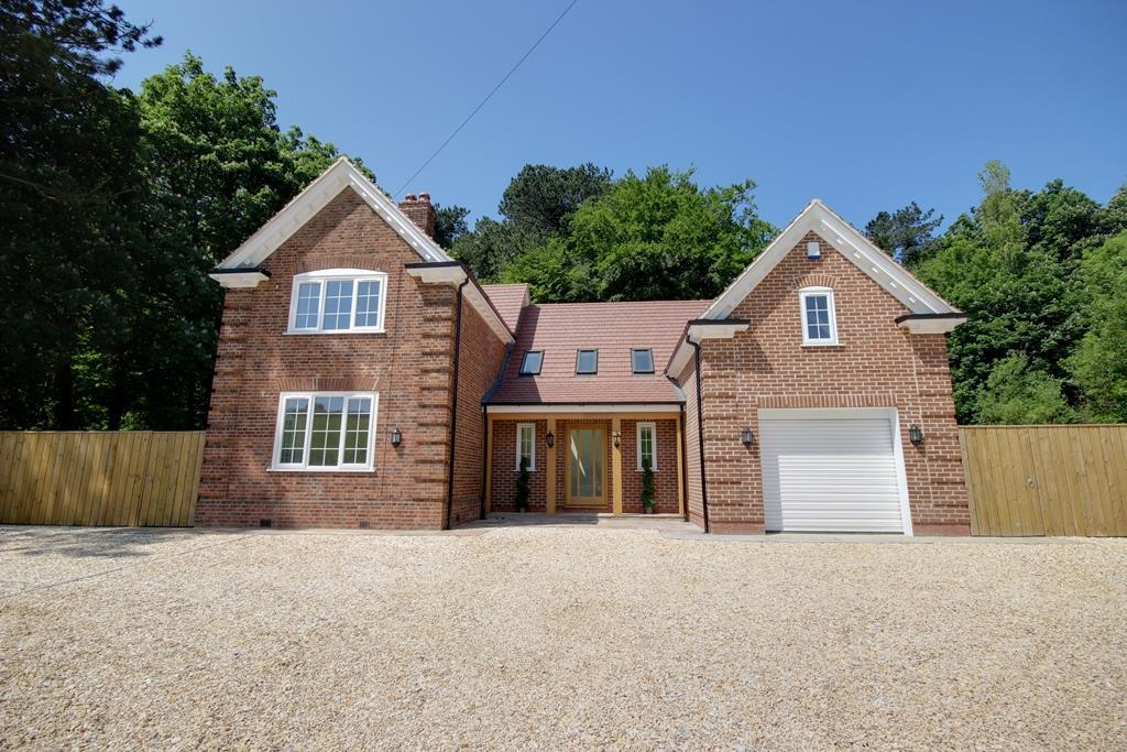 5 Bedrooms Detached House for sale in Elloughton Dale, Elloughton
