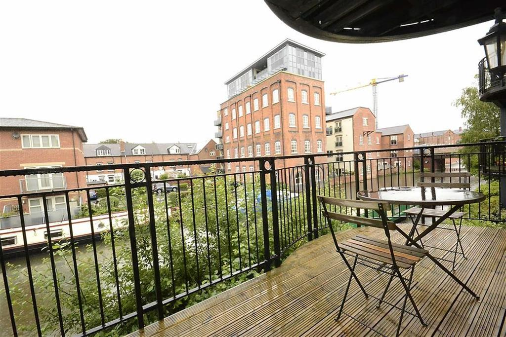 2 Bedrooms Flat for sale in Diglis Court, Worcester