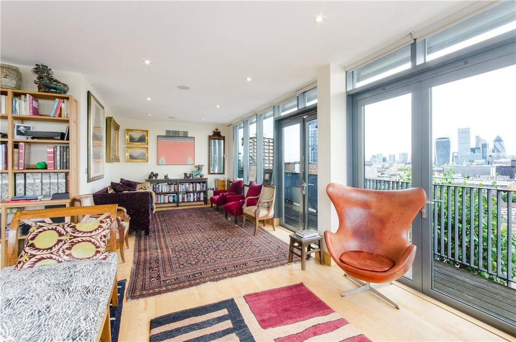 2 Bedrooms Penthouse Flat for sale in Antonine Heights, City Walk, London, SE1