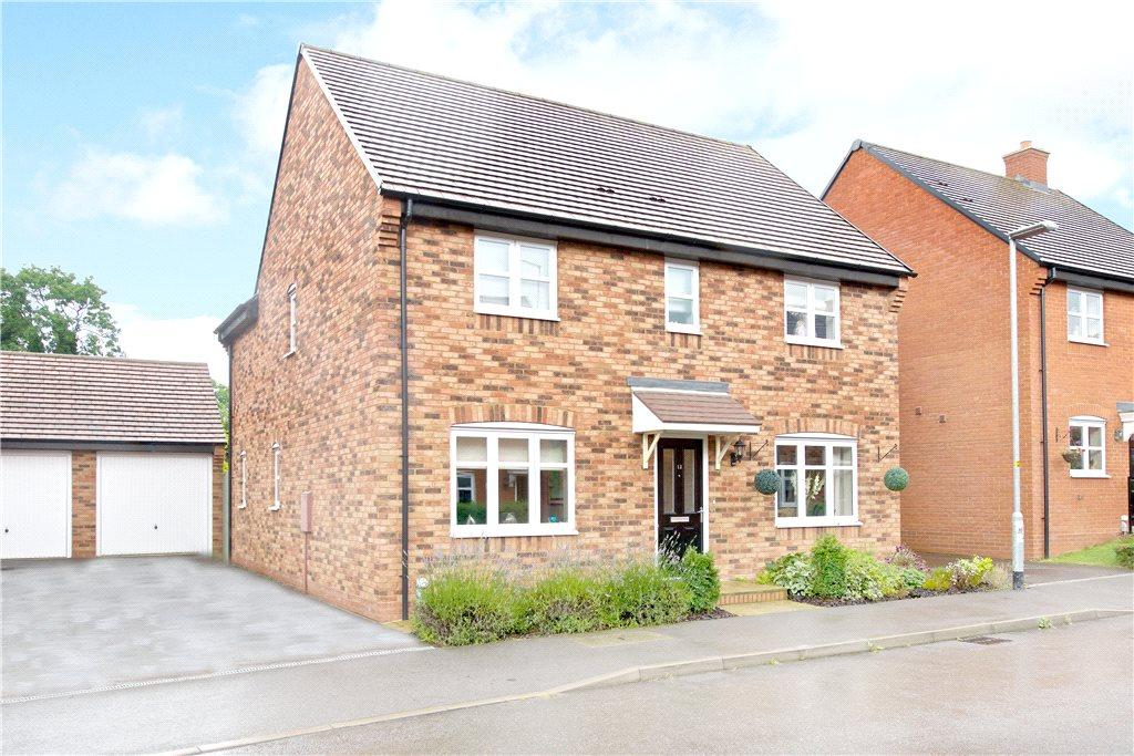 4 Bedrooms Detached House for sale in Malus Field, Pattishall, Towcester, Northamptonshire