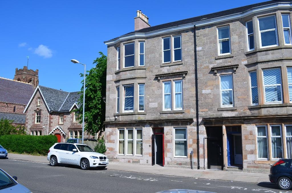 2 Bedrooms Ground Flat for sale in William Street, Ground Floor Flat, Helensburgh, Argyll Bute, G84 8BD