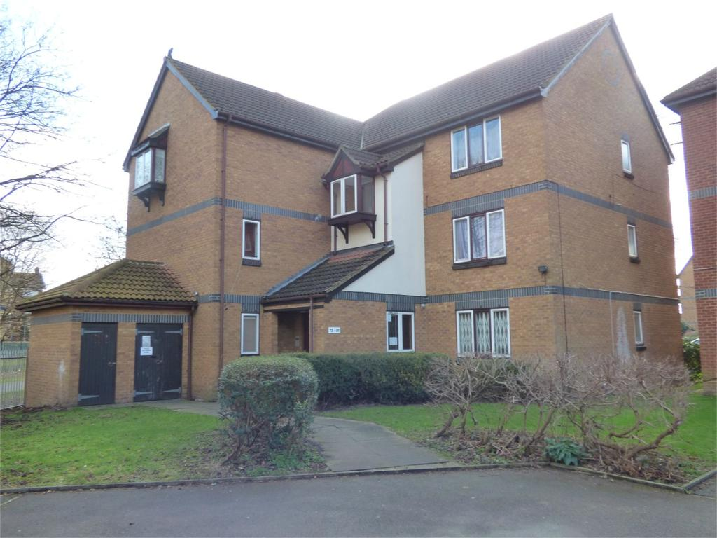 2 Bedrooms Apartment Flat for sale in Swaythling Close, Edmonton, London, UK, N18