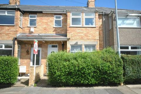 3 bedroom terraced house to rent - Spring Bank, Grimsby