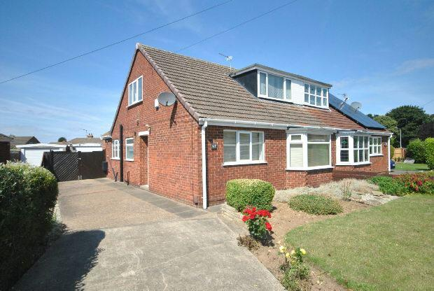 3 Bedrooms Semi Detached Bungalow for sale in Warwick Road, CLEETHORPES