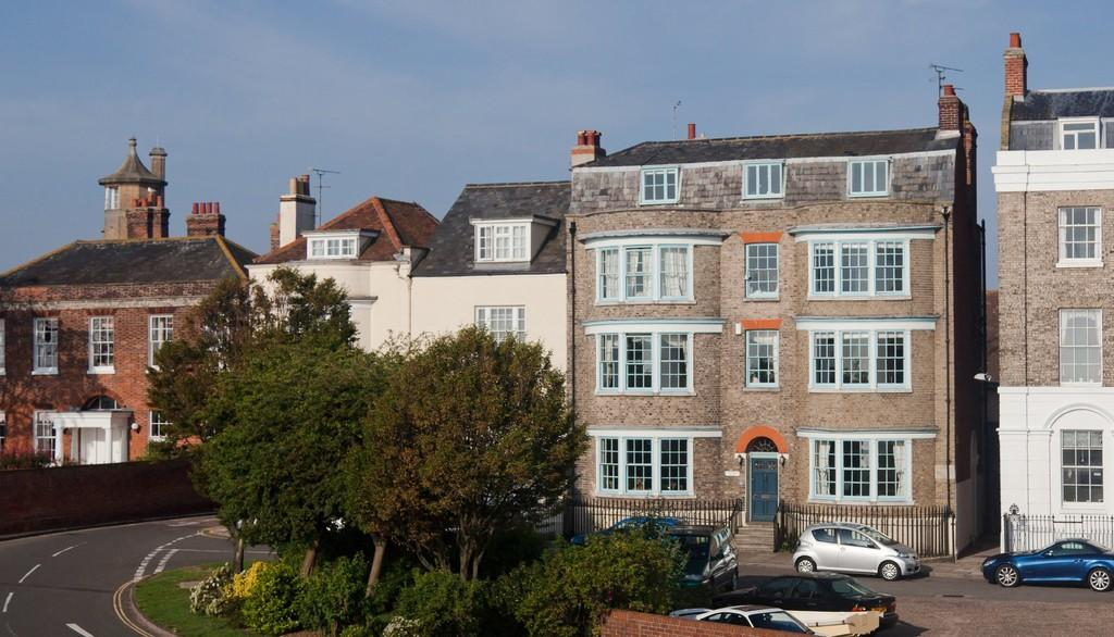 7 Bedrooms Detached House for sale in Kings Quay Street, Harwich