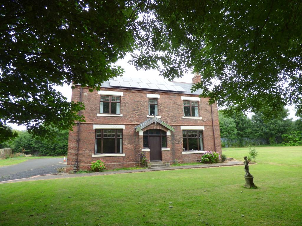4 Bedrooms Detached House for sale in Houghton Le Spring
