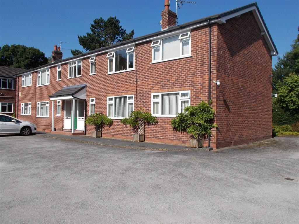 2 Bedrooms Apartment Flat for sale in Woods Close, Ollerton Near Knutsford