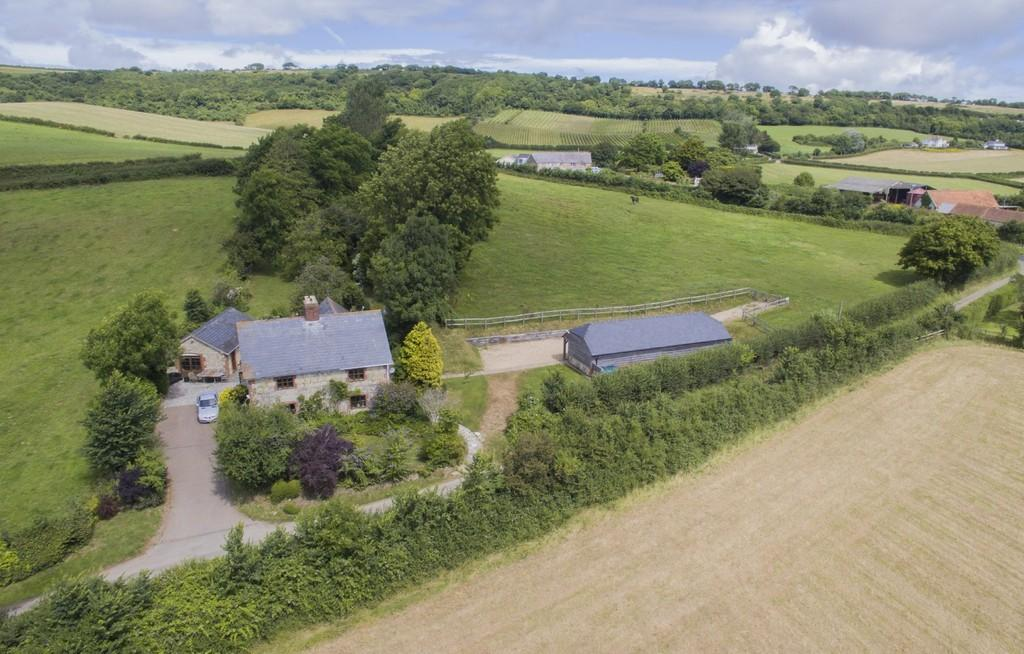 4 Bedrooms Detached House for sale in Adgestone