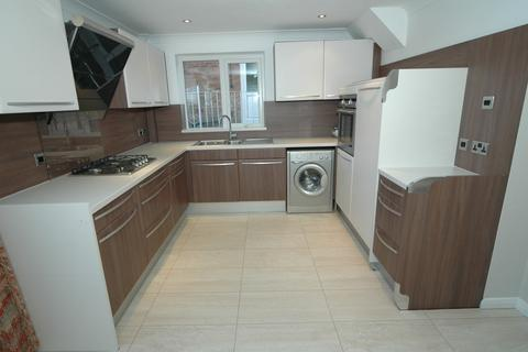3 bedroom semi-detached house to rent - Valley Drive, Kirkella