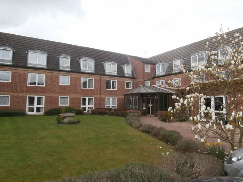 2 Bedrooms Apartment Flat for sale in Kirk House, Anlaby, East Yorkshire