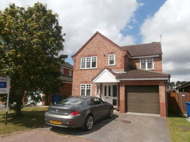 4 Bedrooms Detached House for sale in Dunston Drive, Hessle,