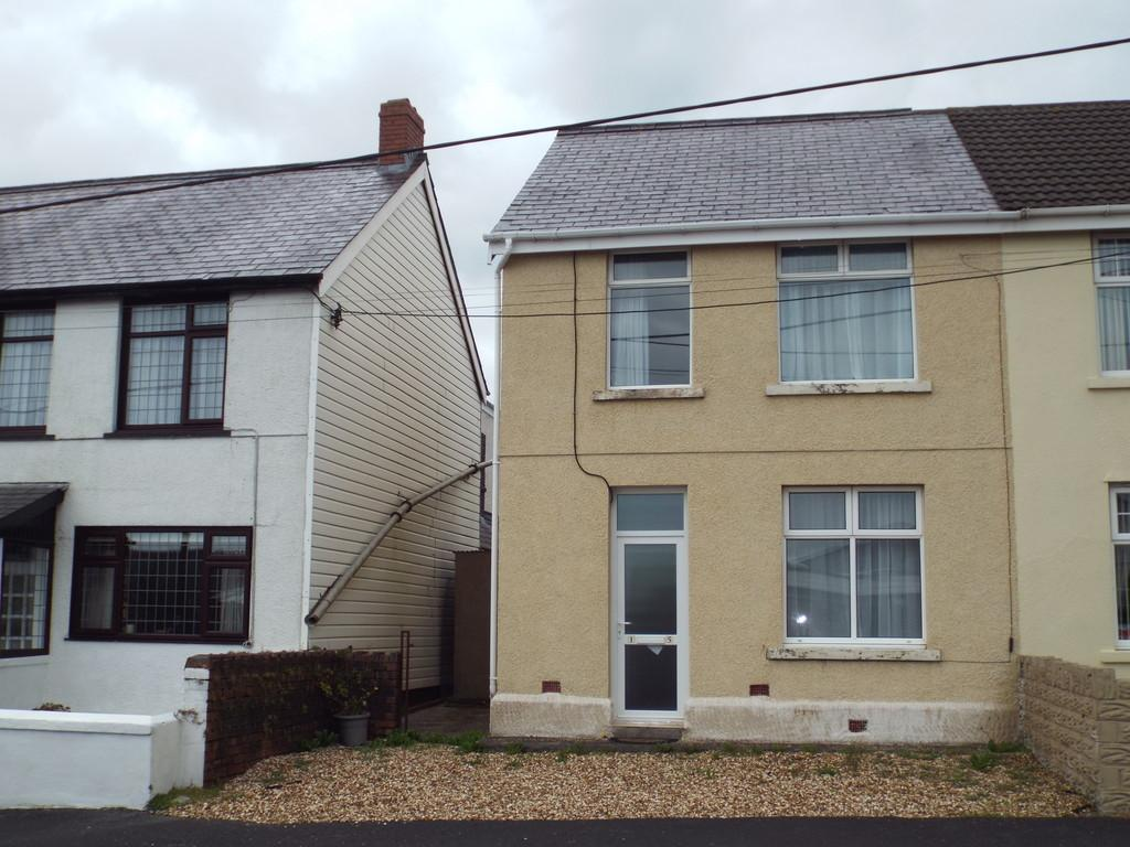 3 Bedrooms Semi Detached House for sale in Black Lion Road, Gorslas