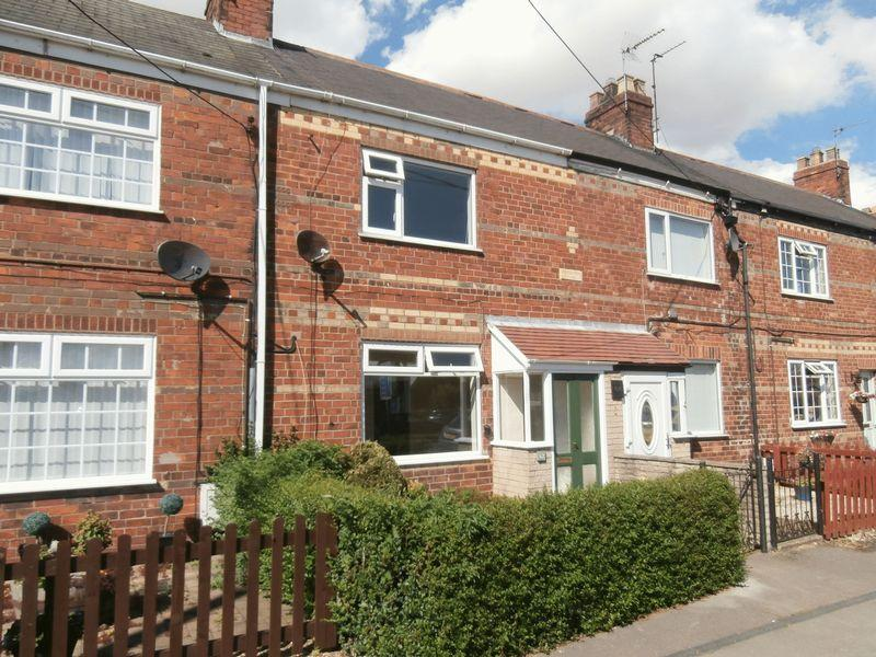 2 Bedrooms Terraced House for sale in Staithes Road, Preston,