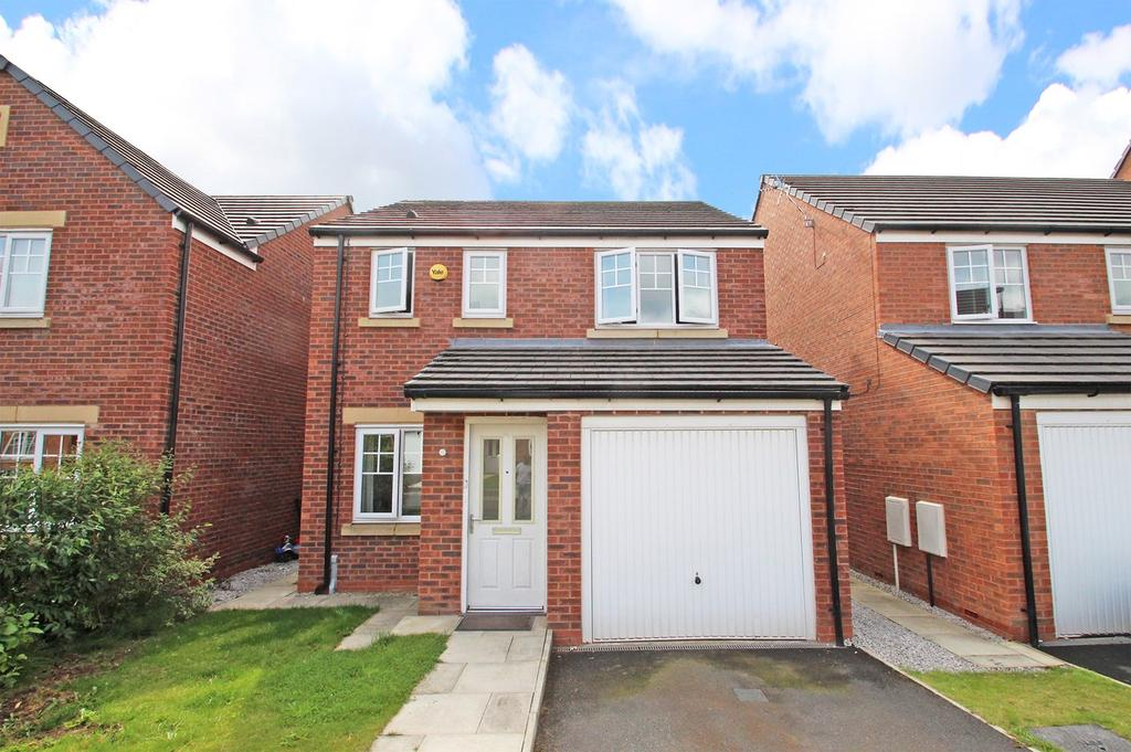 3 Bedrooms Detached House for sale in Prestwood Close, Davyhulme, Manchester, M41