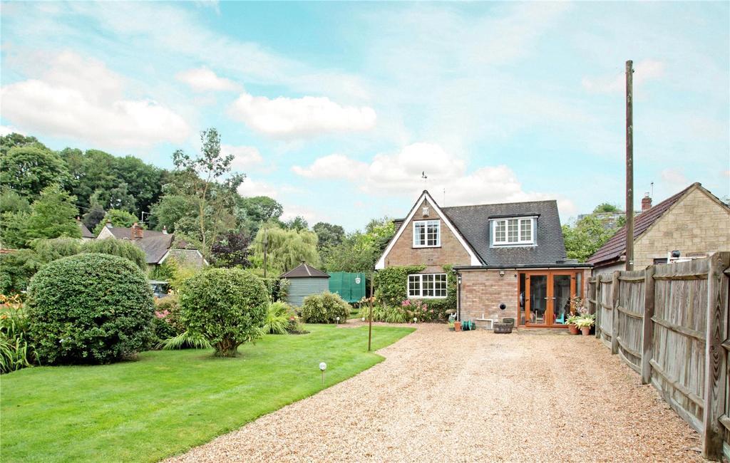 4 Bedrooms Detached House for sale in Tisbury Road, Fovant, Salisbury
