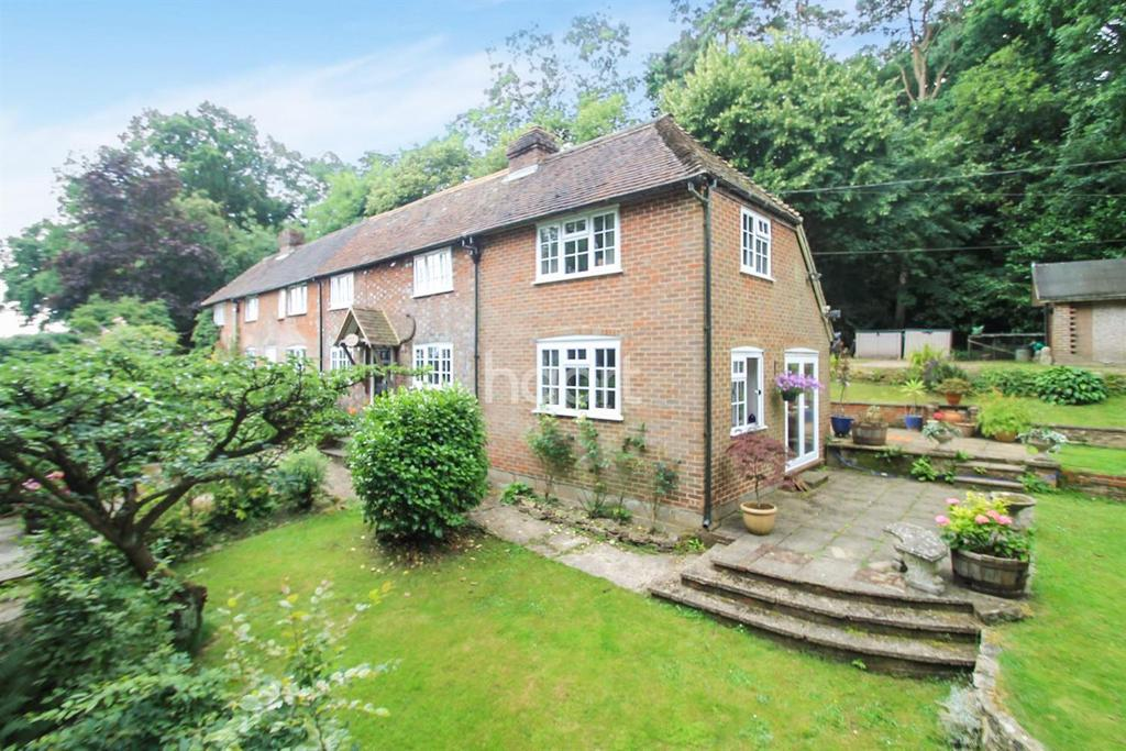3 Bedrooms Cottage House for sale in Northchapel, West Sussex