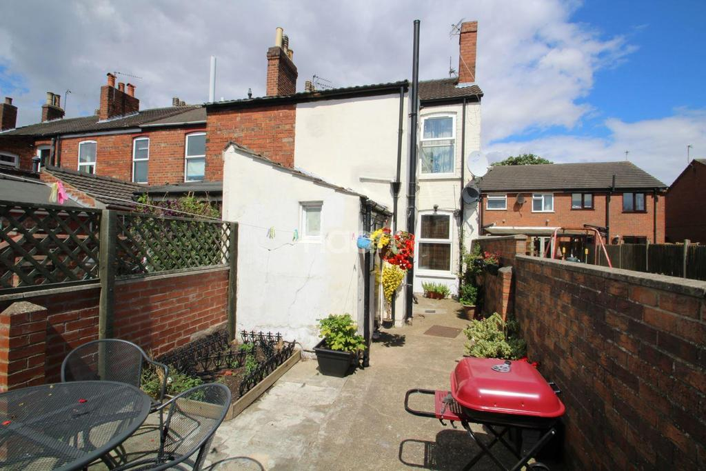 2 Bedrooms End Of Terrace House for sale in Edna Street, Lincoln