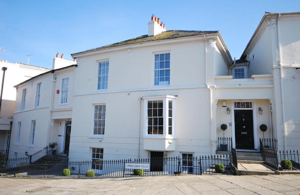 4 Bedrooms Town House for sale in Lemon Street, Truro, Cornwall, TR1