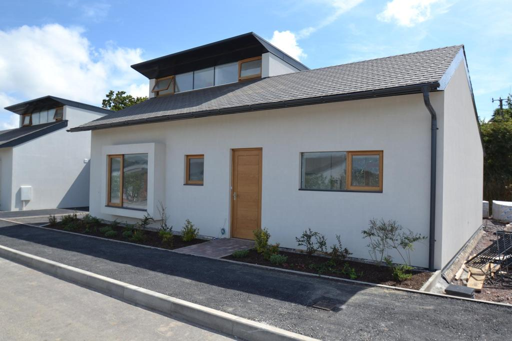 3 Bedrooms Detached Bungalow for sale in The Sun Houses, Allenstyle