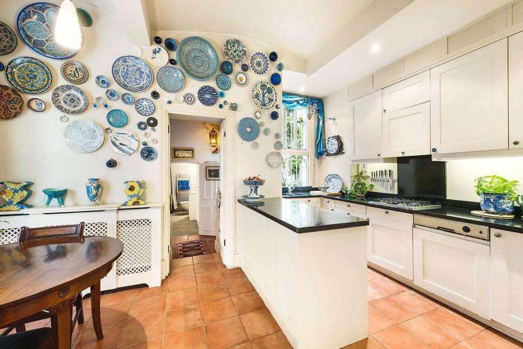 3 Bedrooms Flat for sale in Wetherby Gardens, South Kensington