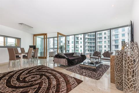 2 bedroom flat to rent - The Tower, St. George Wharf, London