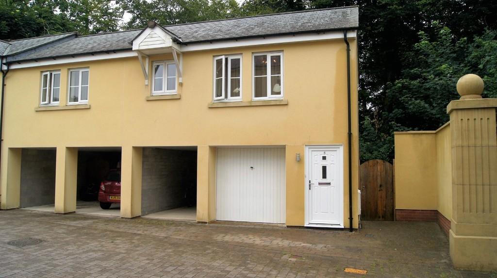 2 Bedrooms Apartment Flat for sale in Tavistock
