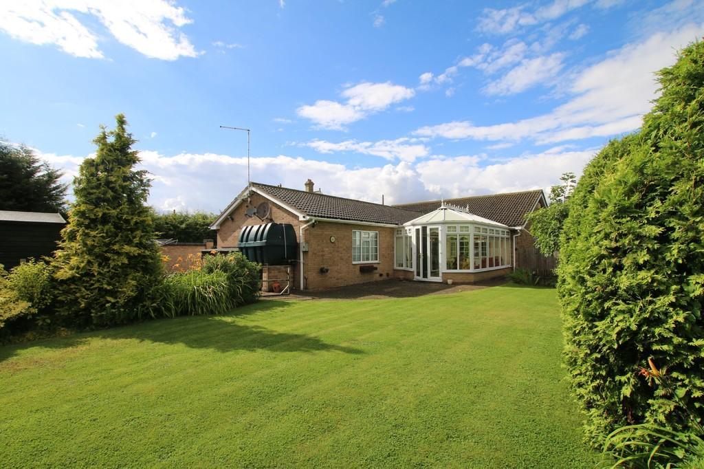 3 Bedrooms Detached Bungalow for sale in New Road, Chatteris