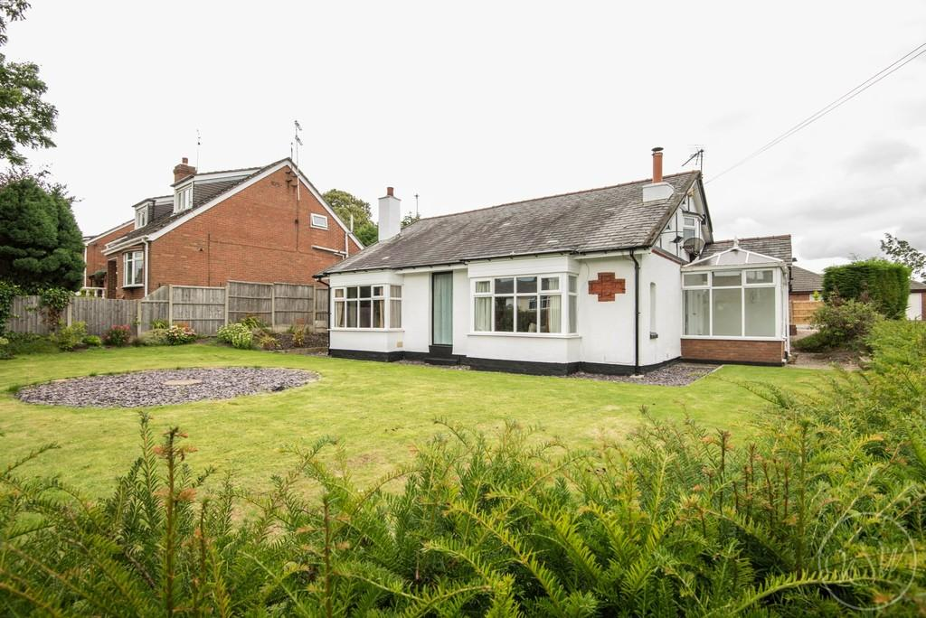 5 Bedrooms Detached Bungalow for sale in Liverpool Road, Aughton