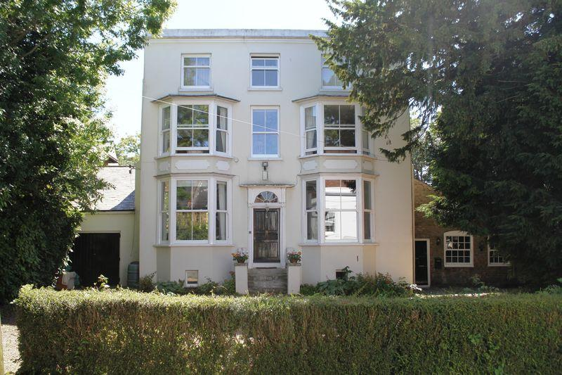 7 Bedrooms Detached House for sale in Walmer