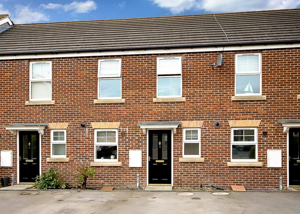 2 Bedrooms Semi Detached House for sale in Barnsdale Way, Ackworth