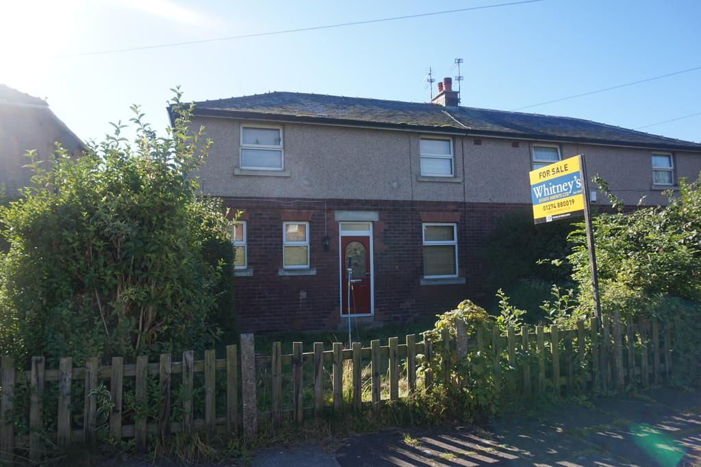 3 Bedrooms Semi Detached House for sale in Hoyle Ing Road, Bradford