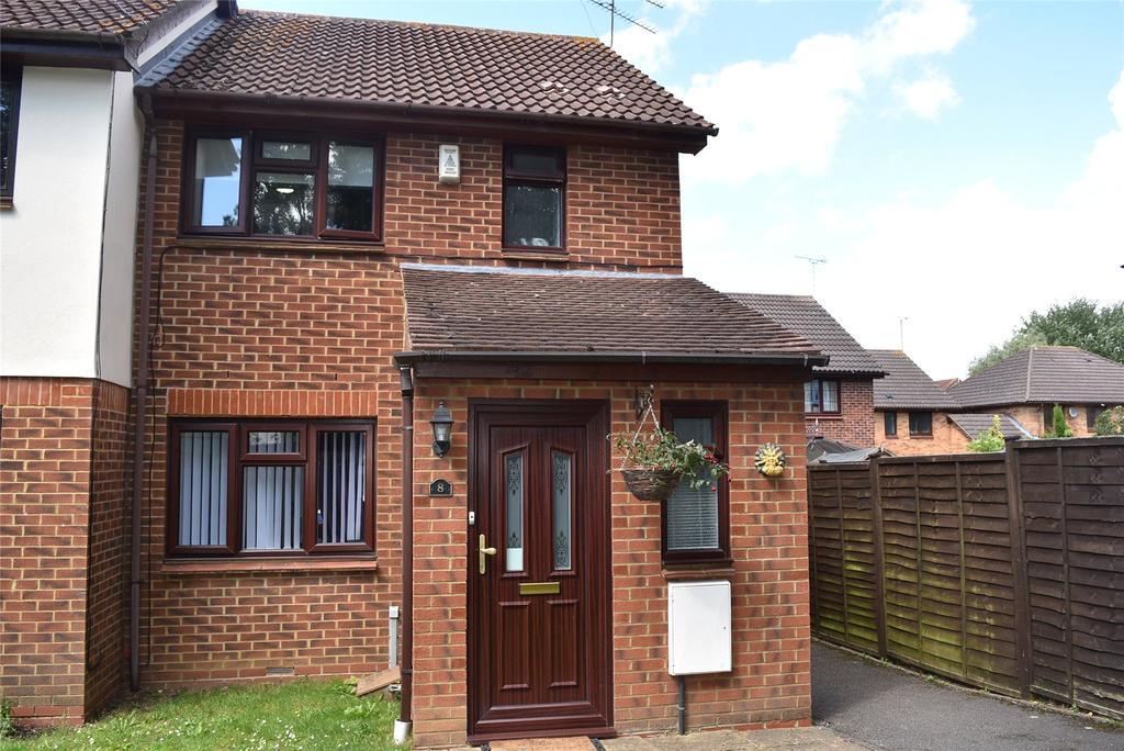 4 Bedrooms Semi Detached House for sale in Fledglings Walk, Winslow