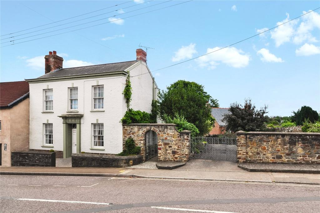 3 Bedrooms House for sale in East Street, South Molton, Devon, EX36
