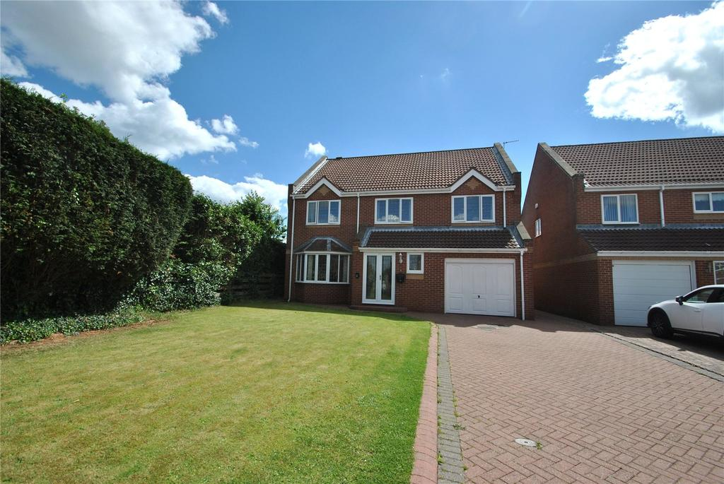 4 Bedrooms Detached House for sale in Hill Top Gardens, New Silksworth, Sunderland, SR3