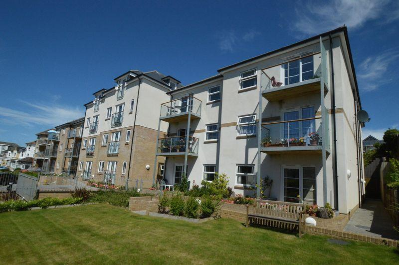 2 Bedrooms Apartment Flat for sale in SHANKLIN PO37 6FF