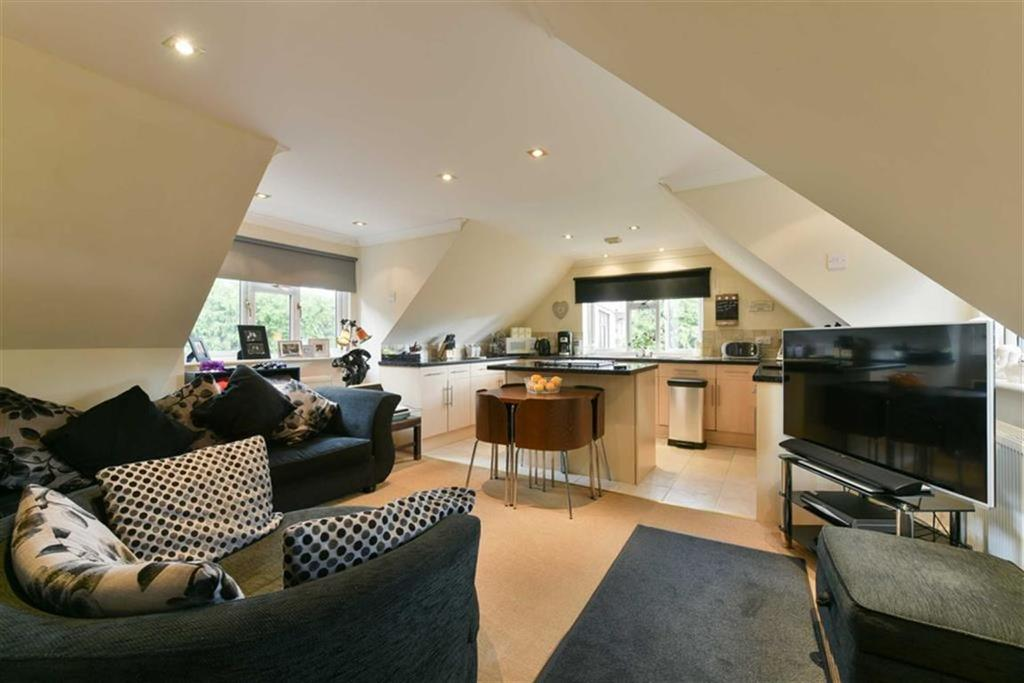 2 Bedrooms Detached House for sale in Epsom Road, Epsom, Surrey