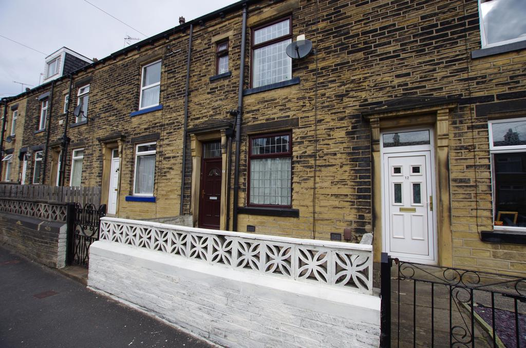 3 Bedrooms Terraced House for sale in Scholemoor Road, Bradford, West Yorkshire, BD7 2PD