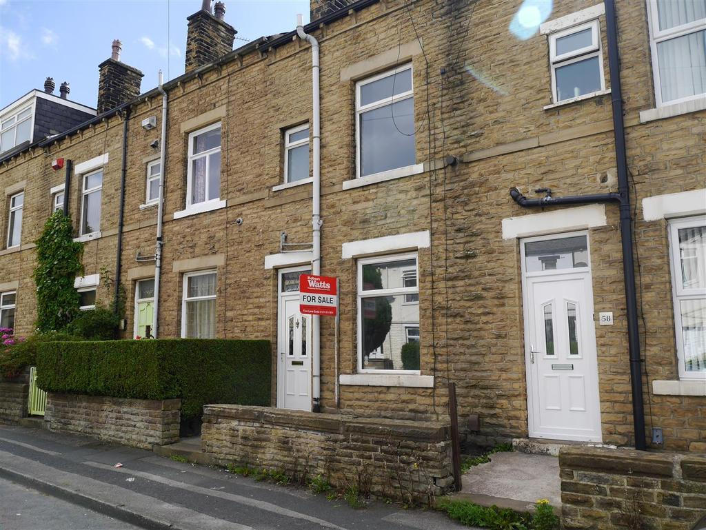 3 Bedrooms Terraced House for sale in Bradford Lane, Thornbury, BD3 8LU