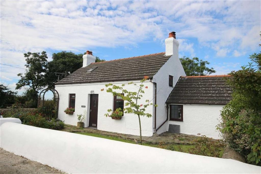 2 Bedrooms Cottage House for sale in Rhosgoch, Anglesey, LL66