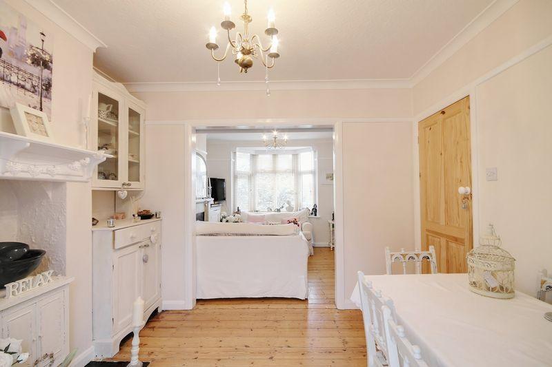 4 Bedrooms House for sale in Western Road, Haywards Heath, RH16