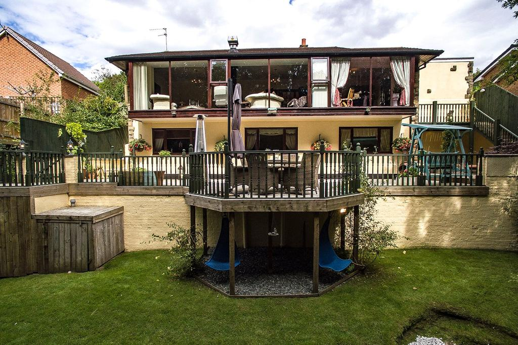 4 Bedrooms Detached House for sale in High Gill Road, Nunthorpe