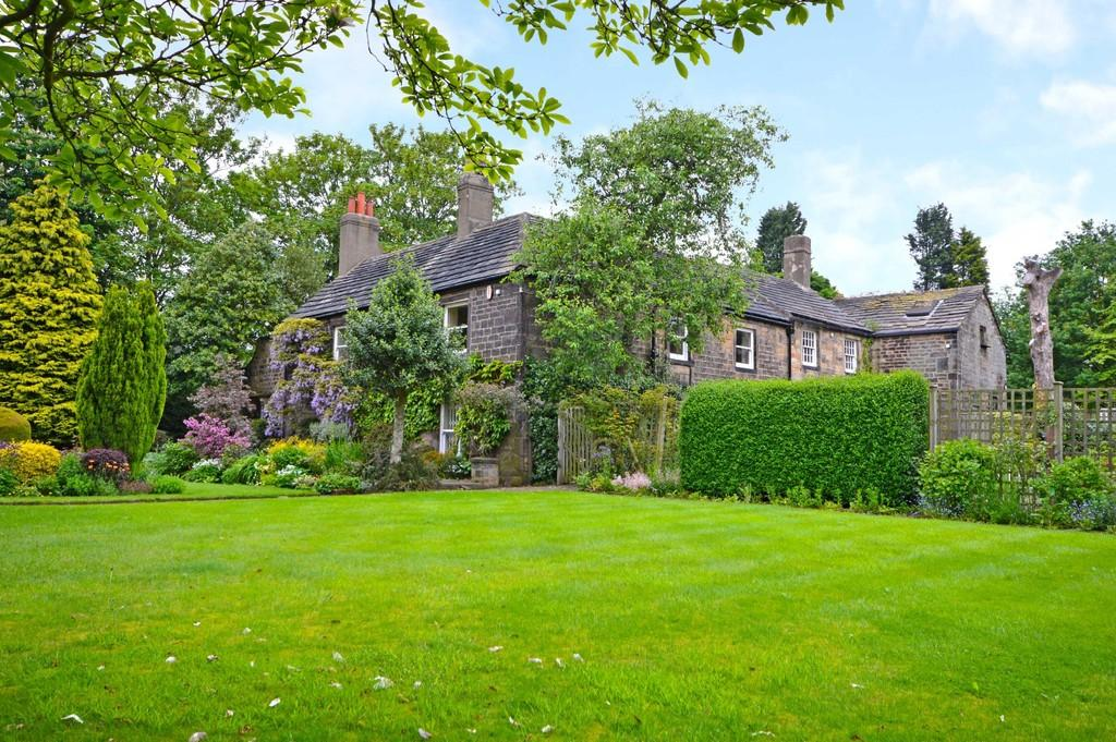 6 Bedrooms Manor House Character Property for sale in Milnthorpe Lane, Sandal