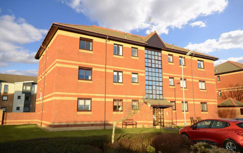 2 Bedrooms Apartment Flat for sale in 4G Monkton Court, Prestwick, KA9 1EN