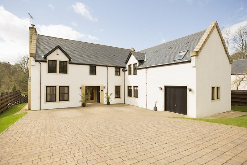 5 Bedrooms Detached House for sale in 2 Garden Court, Hollybush by Ayr KA6 7FG
