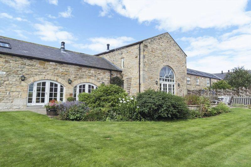5 Bedrooms Semi Detached House for sale in Laker Hall Farm, Newton