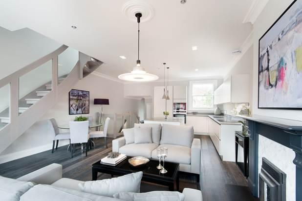 3 Bedrooms Flat for sale in Bathurst Gardens, London, NW10